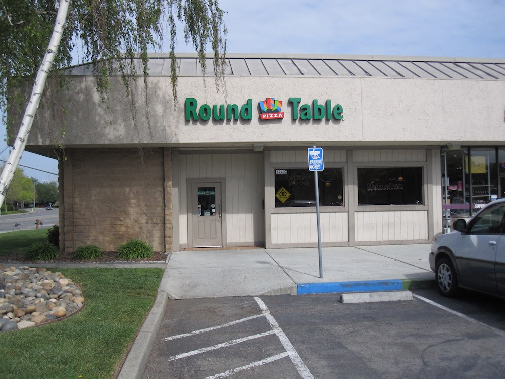 Round Table Pizza Oakridge